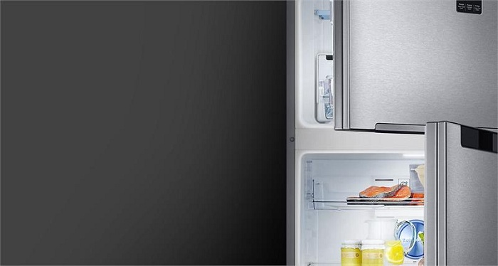 Tủ lạnh samsung Inverter RT35K5982DX/SV lấy nước ngoài
